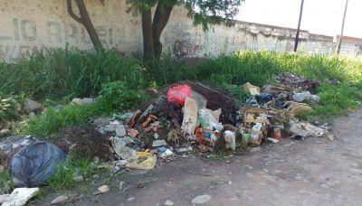 En la ciudad faltan canastos de basura comunitarios
