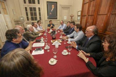 """Massa se reunió con científicos y criticó el recorte que sufrió el sector: """"el Gobierno está generando pobreza futura"""""""