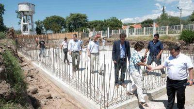 Avanza la obra del Acueducto Oeste que solucionará la provisión de agua en Capital