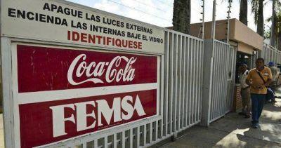 Con aval de Camioneros, trabajadores paralizan las actividades en Coca Cola