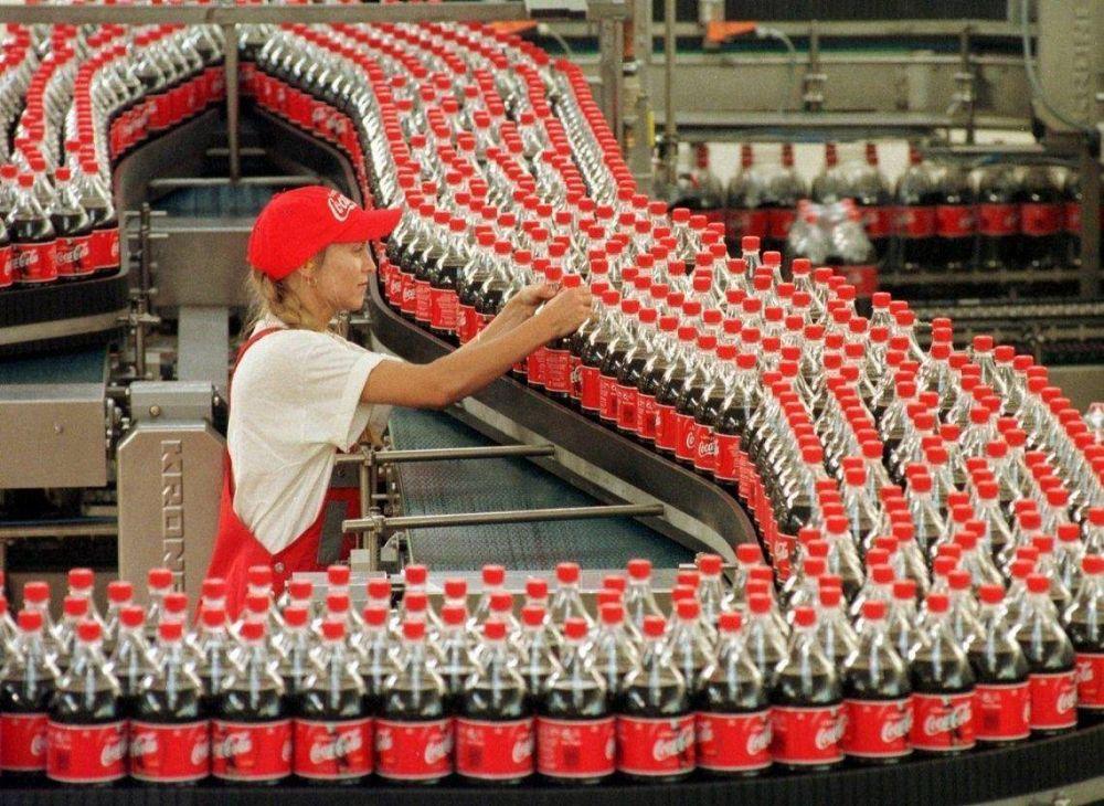 Trabajadores de Coca-Cola iniciaron un paro de actividades: ¿cuál es el conflicto?