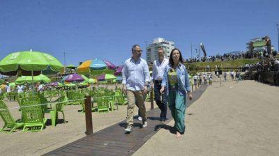 Vidal medita en la playa de Chapadmalal si desdobla la elección bonaerense