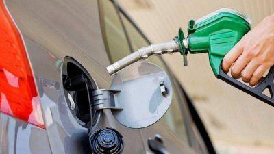 Más aumentos: prevén alza del precio de la nafta del 25%