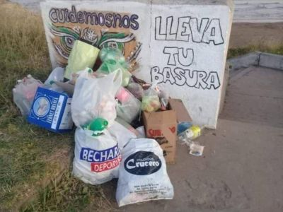 Vecinos del sur denuncian desidia en la recolección de residuos sobre ruta 11