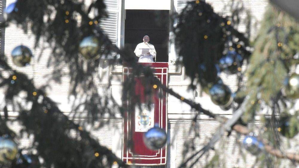 Ángelus del Papa: «Busquen a Jesús en sus vidas siguiendo a María y a José»