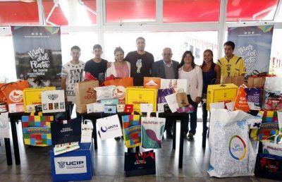 El Intendente Carlos Arroyo recibió a los Primeros Turistas del 2019