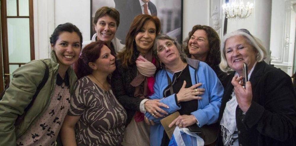 """Cristina Kirchner manda a negociar """"neutralidad"""" con los gobernadores del PJ"""