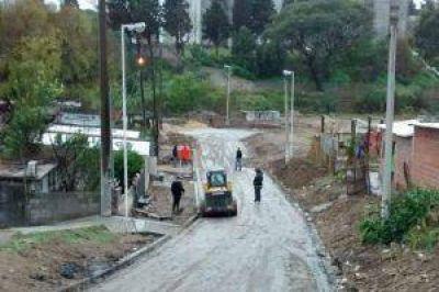 Pavimentación, desagües pluviales y nueva red de agua potable en barrio Las Flores