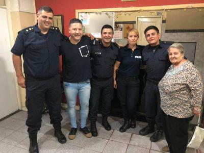 Menéndez comenzó el año visitando guardias y con chicanas contra cambiemos