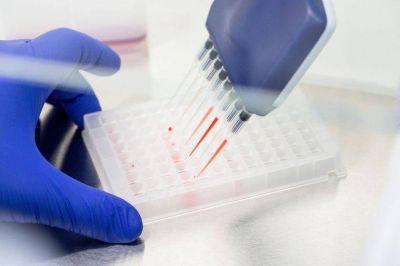 Multimillonario acuerdo unió dos gigantes farmacéuticos contra el cáncer