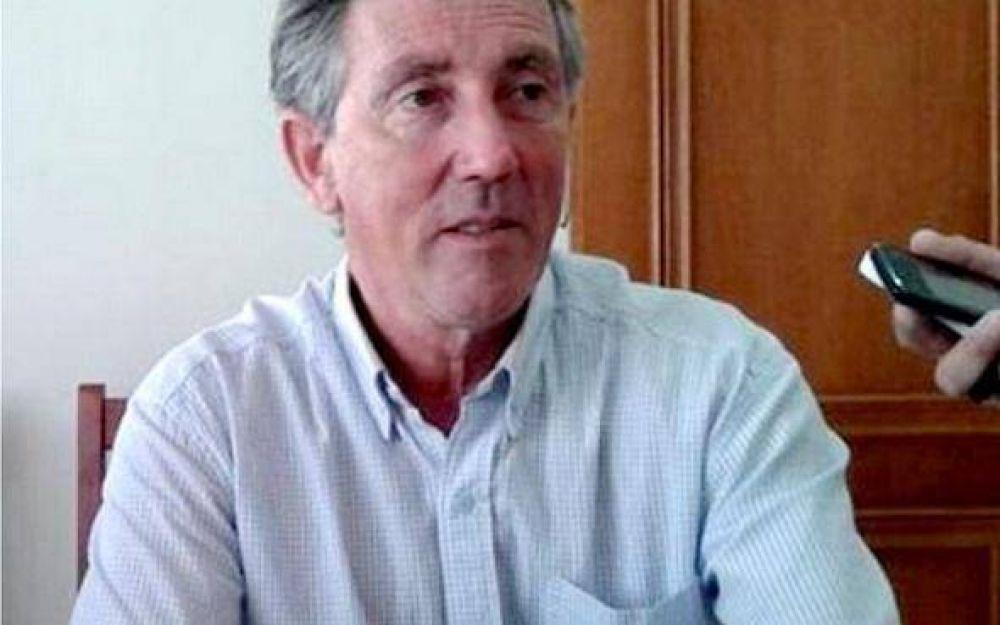 Pila: El Intendente Walker anunció un bono de 5 mil pesos para los municipales