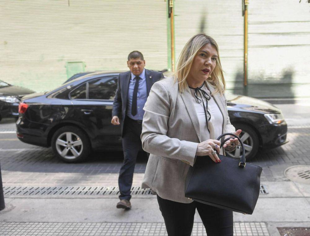 Molesta por la política industrial, Bertone planta a Macri