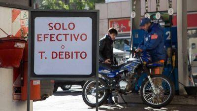 Empresarios de otros rubros apoyan el reclamo de los expendedores contra las tarjetas de crédito