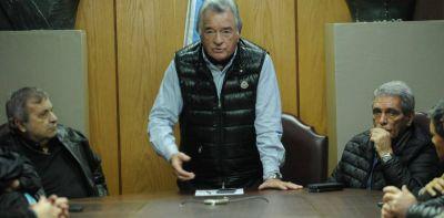 """Luis Barrionuevo no invita a Hugo Moyano a su clásico asado: """"El está con las dos CTA"""""""