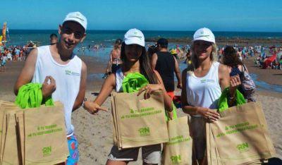 Con novedosa campaña, buscan que haya menos basura en las playas