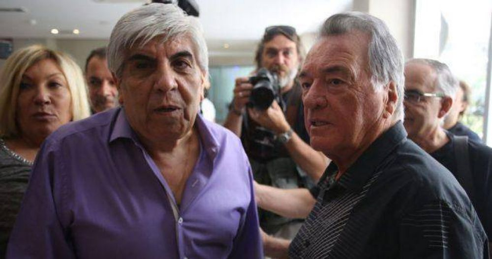 """Barrionuevo no invita a Moyano a su tradicional asado marplatense porque el camionero """"está con las CTA"""""""