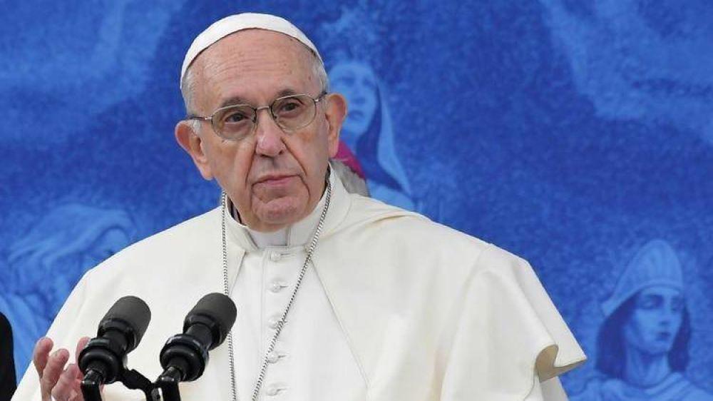 Tras las críticas de 20 ex presidentes, el papa Francisco ratificó que no piensa