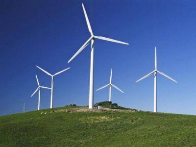 ¿A cuántos hogares abastece un proyecto de energías renovables?