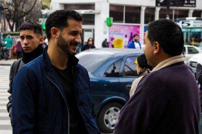 Tombolini recorre los barrios con consejos para ganarle a la crisis