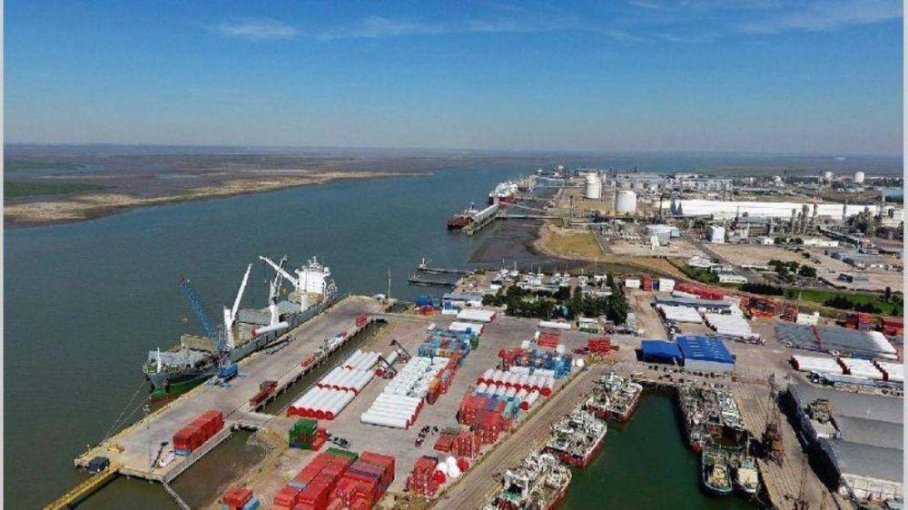 Por la baja en las importaciones de GNL, en 2018 se movilizaron un 17% menos de cargas en el puerto de Bahía Blanca
