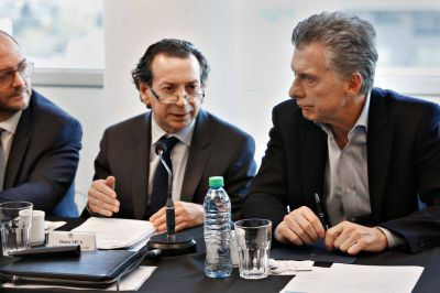 El Gobierno extiende el plan para evitar conflictos gremiales en el sector petrolero