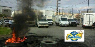 """Los dueños de """"La Salteña"""" venden la empresa y se van del país: hay 500 puestos de trabajo en peligro"""