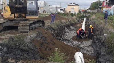 Realizan entubamientos para mejorar el sistema de desagües pluviales