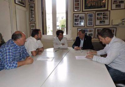 Firmaron el contrato para extender la red de gas natural a Cerro Leones