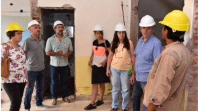 Javier Gastón recorrió los avances de la obra de construcción de la Sala de Maternidad y Pediatría