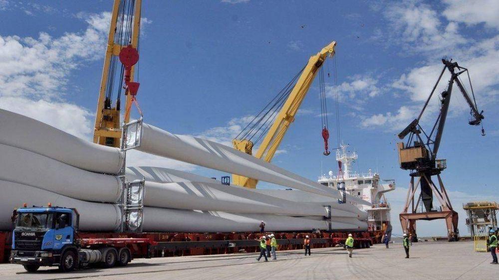 El primer cargamento de molinos eólicos llegará el domingo 20