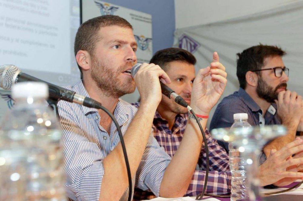 """Aeronavegantes define a la nueva entidad gremial de Flybondi como """"sindicato amarillo"""""""