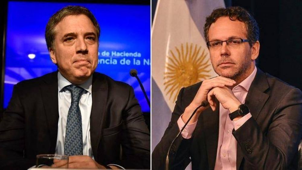 Pacto Dujovne-Sandleris: el Tesoro venderá sus dólares directamente en el mercado