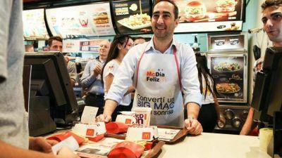 """Ex funcionario increpó a Tagliaferro en plena caminata y lo acusó de bancar """"kioscos"""""""