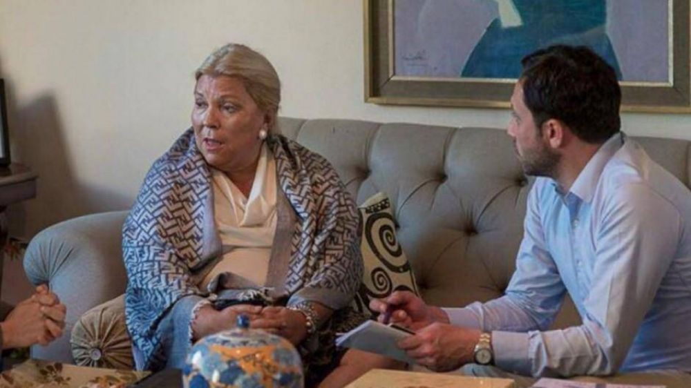 Lilita hizo un gesto de poder y obligó a Marcos Peña a ir hasta su casa