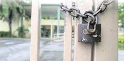 Docentes ratifican plan de lucha contra cierre de escuelas
