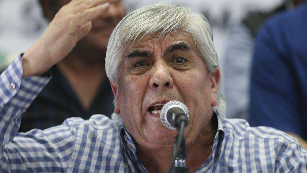 Hugo Moyano amenazó al Gobierno con un paro general