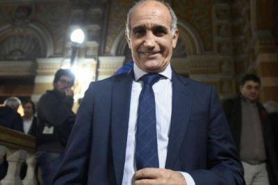 El vice de Vidal no descartó desdoblar las elecciones en la Provincia, pero negó