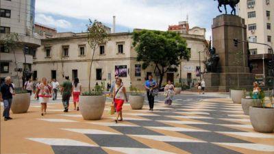 """Polémica en CABA por el gasto de 51 millones de pesos en macetas para """"traffic calming"""""""