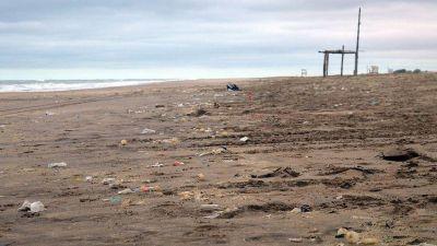 Más del 80% de los residuos no orgánicos en playas de Buenos Aires son plásticos