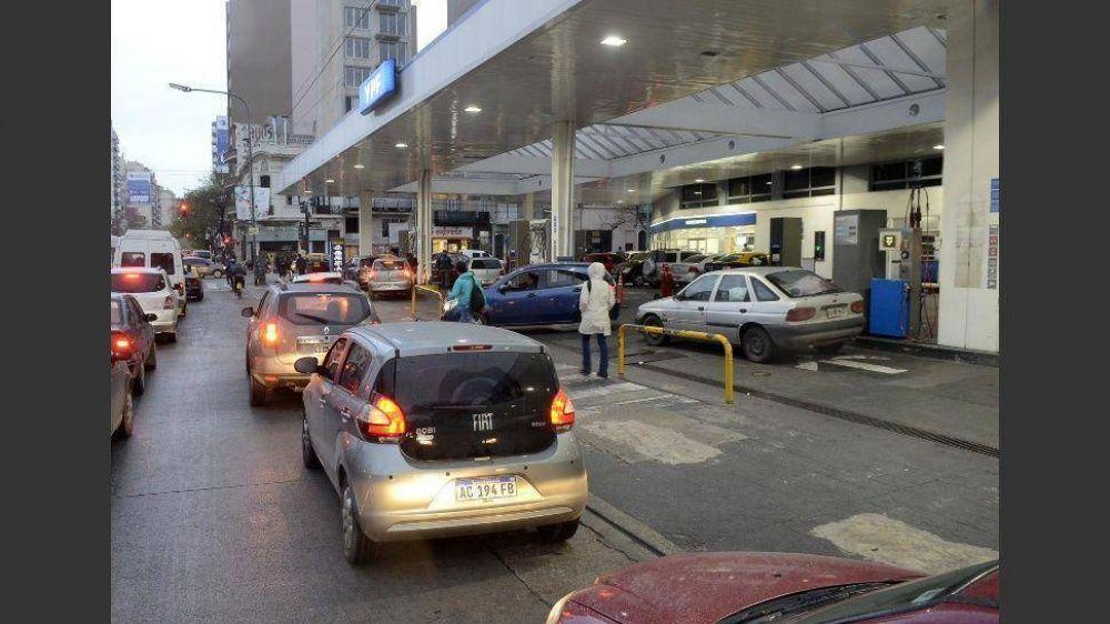 Las petroleras mantendrán baja de precios pese a la suba del biodiésel