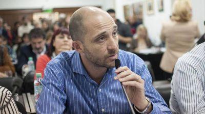 Villaronga no descartó un acuerdo del PJ con el massismo para la gobernación