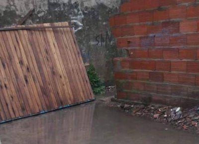 Desborde cloacal y casas inundadas en Villa Progreso