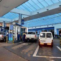 Pese a la baja de precios, para los extranjeros la Argentina no resulta atractiva para cargar nafta