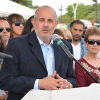Desde General Pinto, el intendente toma la delantera y ofrece un 10 por ciento de aumento a los municipales