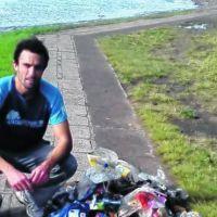 La basura domiciliaria inunda las costas del río Negro en Viedma