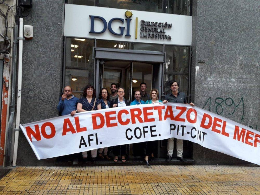 Uruguay: Trabajadores de Dirección General Impositiva movilizan y piden la mediación de Tabaré Vázquez