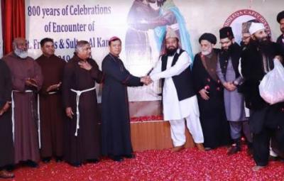 Celebran juntos del encuentro entre San Francisco y el Sultán