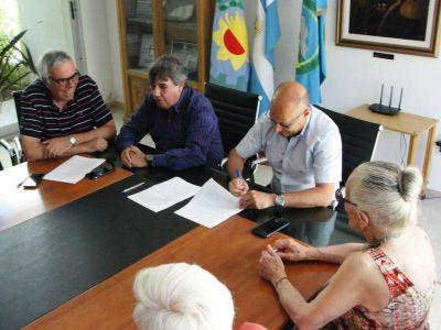 Reino firmó un acuerdo con el Sindicato de Trabajadores Municipales