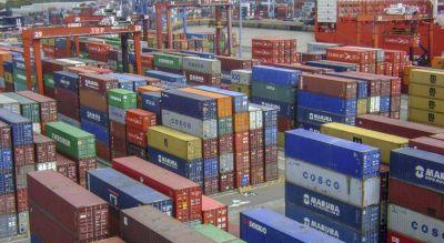 Conflicto portuario: hay 70 buques parados y advierten por desabastecimiento de combustible