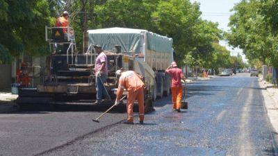Comenzaron las tareas de reencarpetado en calle Darregueira